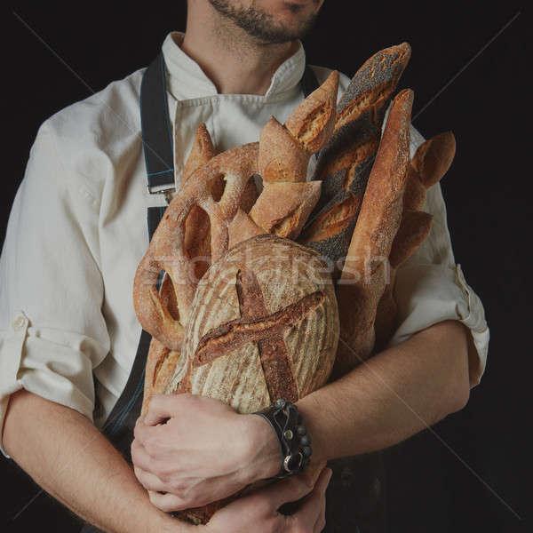 Baker variedad pan manos hombre casa Foto stock © artjazz
