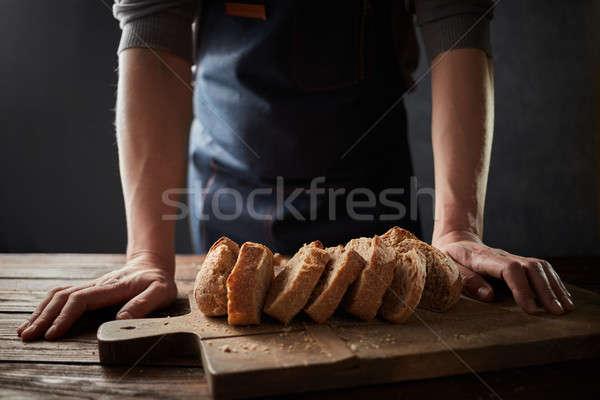 Fırıncı adam rustik organik somun Stok fotoğraf © artjazz
