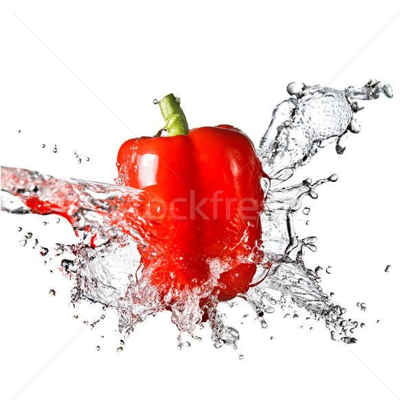 Eau douce Splash rouge sweet poivre isolé Photo stock © artjazz