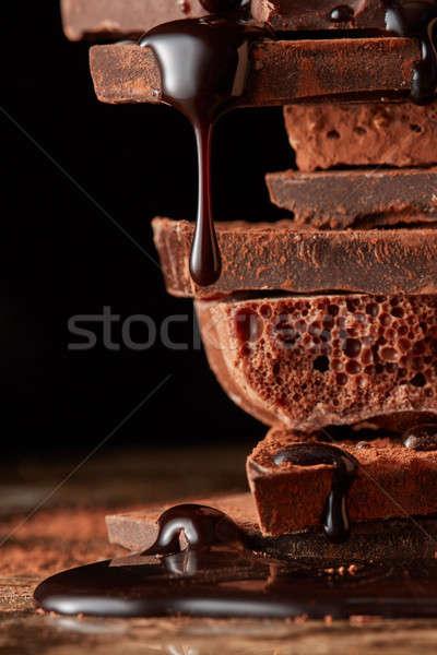 Foto d'archivio: Rotto · pezzi · cioccolato · montagna · cioccolato · fondente