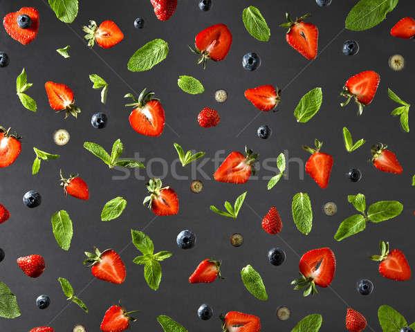 Ansicht Obst Muster Erdbeeren Heidelbeeren mint Stock foto © artjazz