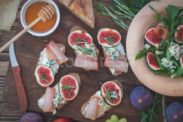 簡単 ダイエット サラダ ブルーチーズ ブラウン 木製 ストックフォト © artsvitlyna