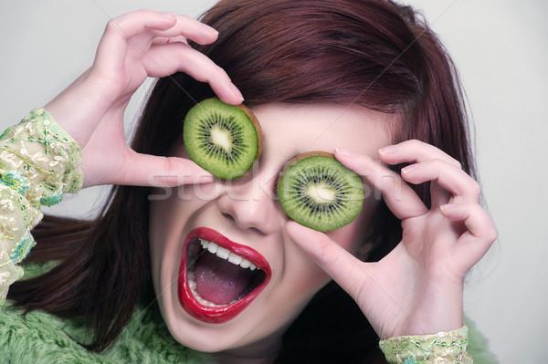 ストックフォト: キウイ · 健康 · フルーツ · 面白い · 女性