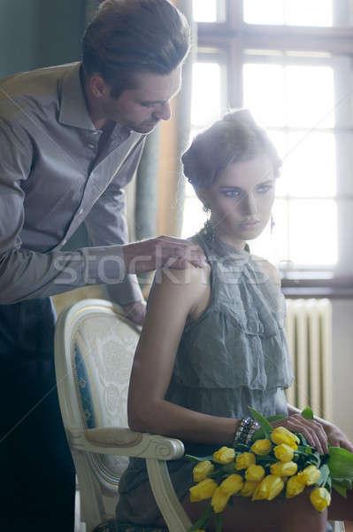 魅力的な ペア スタイリッシュ インテリア チューリップ 女性 ストックフォト © arturkurjan