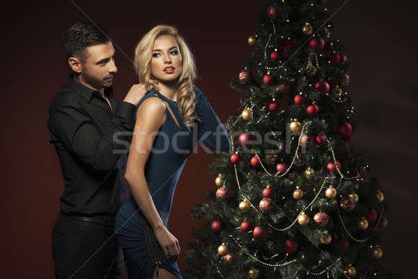 ストックフォト: 幸せ · カップル · クリスマスツリー · 笑顔 · 愛 · キス