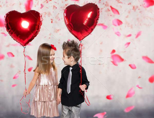 Heureux enfants rouge coeur ballon lumière Photo stock © arturkurjan