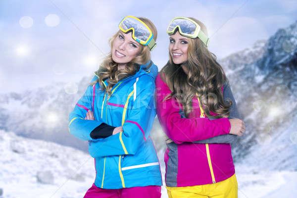 ストックフォト: 2 · 美 · 笑みを浮かべて · 女性 · 冬 · 山