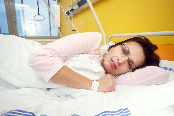 Szomorú középkorú nő kórház valódi emberek igazi Stock fotó © artush