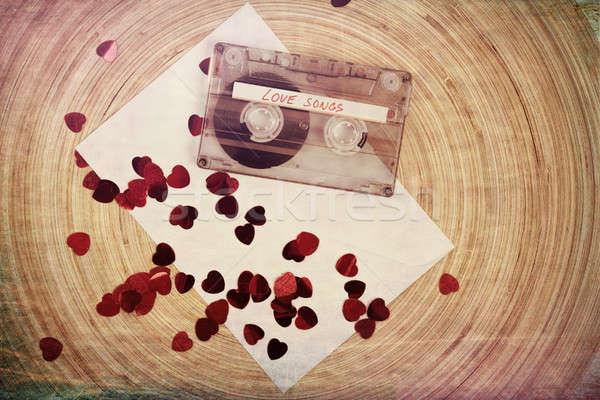 Audio cassette nastro rosso tessuto cuore Foto d'archivio © artush