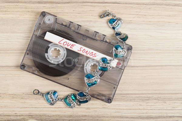 Audio cassette nastro bracciale testo amore Foto d'archivio © artush