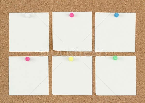 空っぽ 注記 論文 コルクボード 4 手紙 ストックフォト © artush