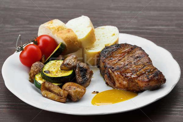 豚肉 ステーキ ソース マスタード 焼き 野菜 ストックフォト © artush