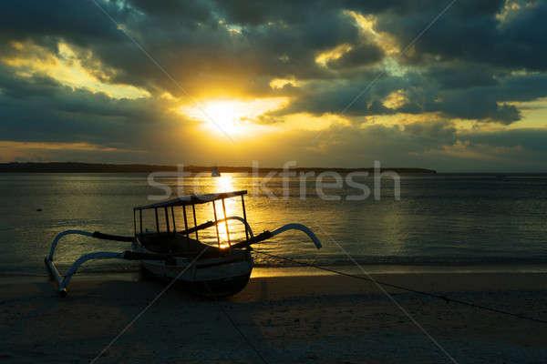 Bali tenger sziget Indonézia csónak sziluett Stock fotó © artush