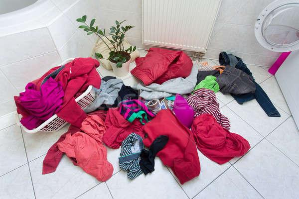 Zdjęcia stock: Brudne · ubrania · gotowy · umyć · domu