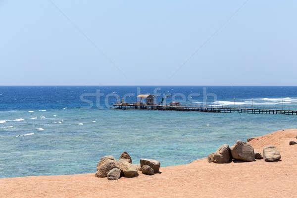 Vörös-tenger tengerpart búvárkodik móló Egyiptom homok Stock fotó © artush