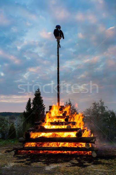 Grande noche fuego bruja ardor madera Foto stock © artush