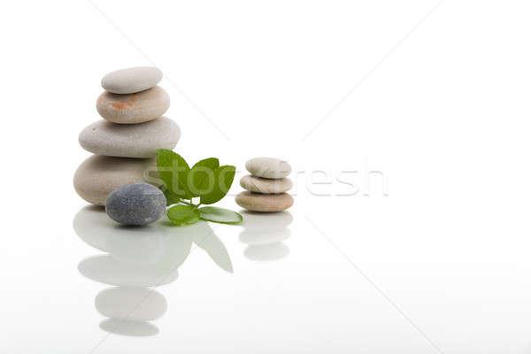 Egyensúlyoz zen kövek izolált köteg kavics Stock fotó © artush