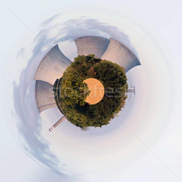 Gezegen soğutma towers nükleer elektrik santralı Çek Cumhuriyeti Stok fotoğraf © artush