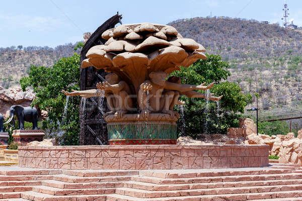 Mono fuente famoso perdido ciudad puente Foto stock © artush