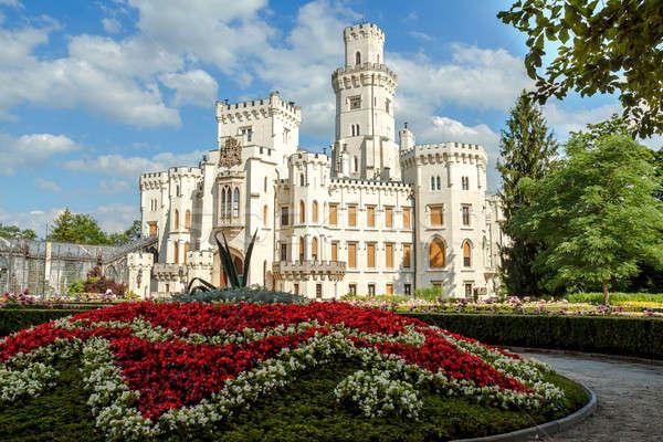 Berühmt weiß Burg Tschechische Republik Himmel Frühling Stock foto © artush