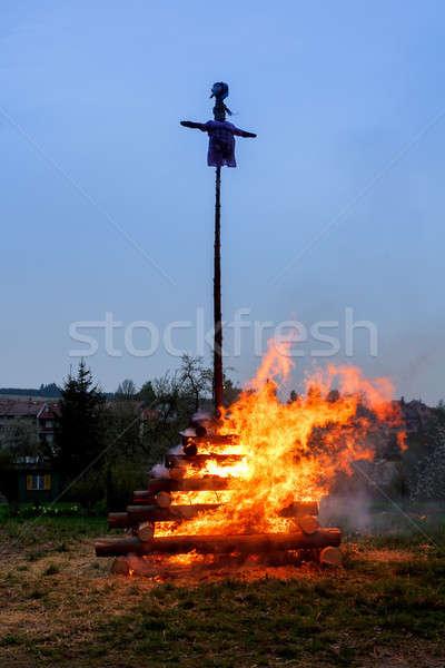 Grande noche fuego bruja ardor Foto stock © artush