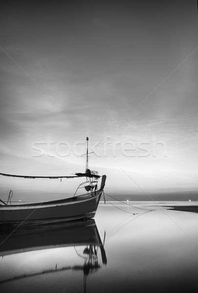 モーターボート 孤独 ビーチ 空 水 日没 ストックフォト © arztsamui