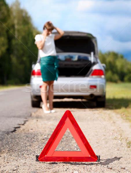 Kadın telefon kırık araba üçgen Stok fotoğraf © ashumskiy
