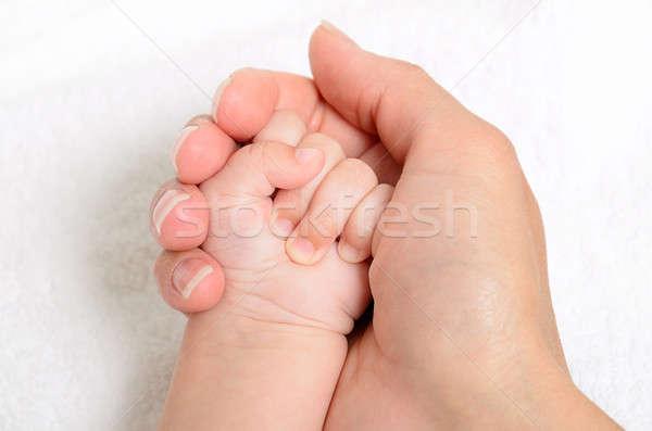 Moeder baby hand extreme Stockfoto © ashumskiy