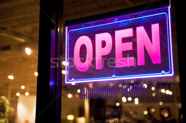 Neon pembe showroom cam imzalamak Stok fotoğraf © aspenrock