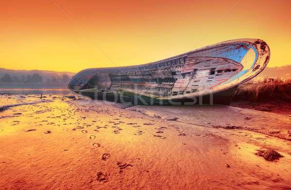 Zdjęcia stock: Opuszczony · statku · plaży · morza · łodzi · burzy