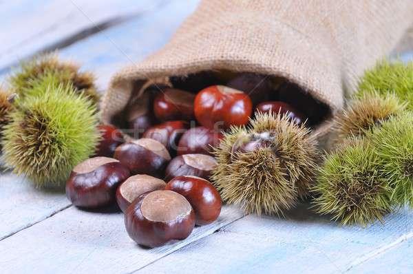 Table en bois cuisine alimentaire nature noix Photo stock © asturianu