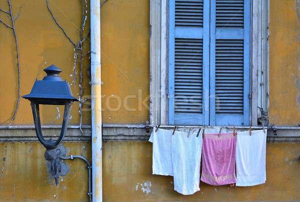 Szennyes ruhaszárító nedves ruházat kötél kint Stock fotó © asturianu