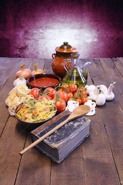 Książka kucharska stół kuchenny składniki książki tabeli gotowania Zdjęcia stock © asturianu