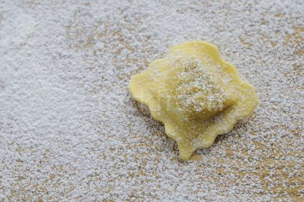 Friss ravioli konyhaasztal vacsora étel közelkép Stock fotó © asturianu