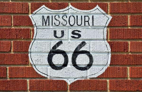 歴史的 ルート66 にログイン 道路標識 描いた レンガの壁 ストックフォト © asturianu