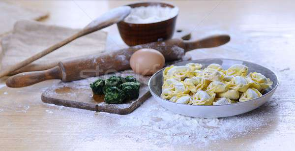 自家製 トルテッリーニ 木製のテーブル キッチン 食品 背景 ストックフォト © asturianu