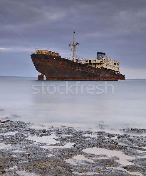 捨てられた 船 海岸 海 1泊 ボート ストックフォト © asturianu