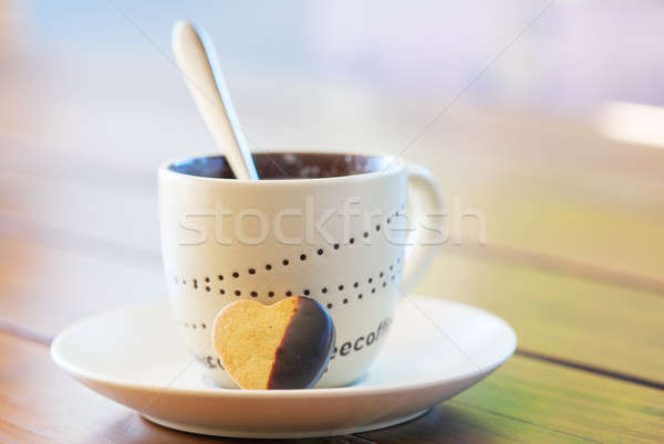 Coffee cup and heart shaped shortbread biscuit Stock photo © avdveen