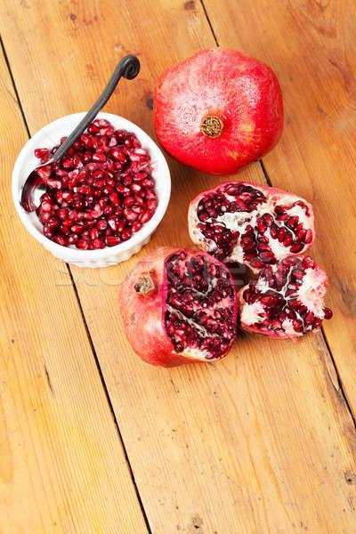 Heerlijk vers granaatappel vruchten tabel voedsel Stockfoto © avdveen