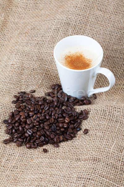 Grãos de café copo café pano de saco Foto stock © avdveen