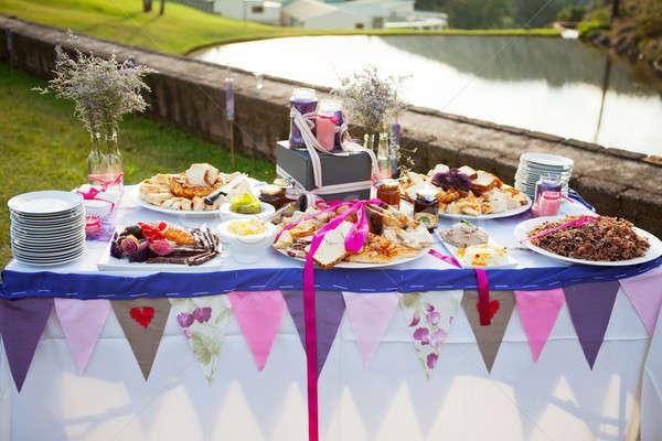 表 新鮮な パン 結婚式 屋外 ストックフォト © avdveen