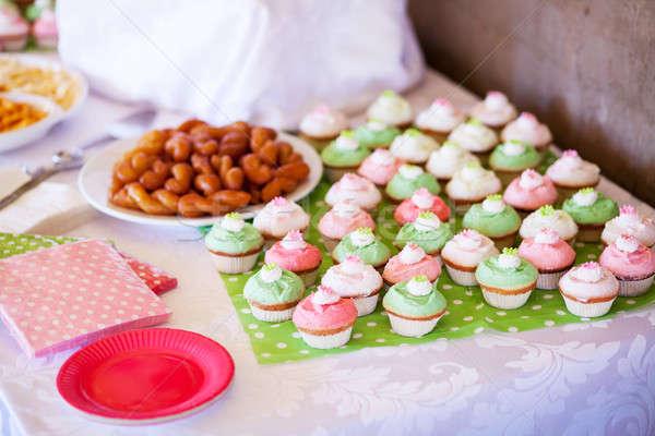 Parti ev yapımı lezzetli kek Stok fotoğraf © avdveen
