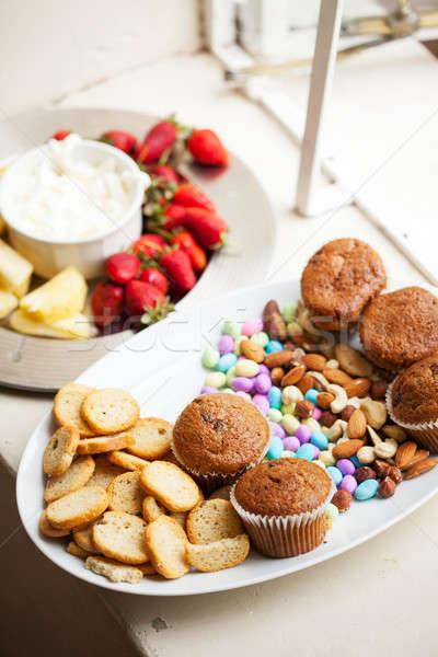 スナック 務め 白 フルーツ 食品 ストックフォト © avdveen
