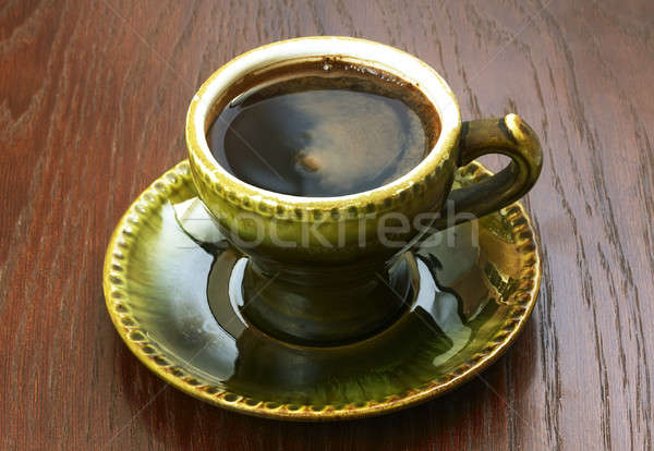 Bağbozumu fincan kahve ahşap masa yeşil plaka Stok fotoğraf © Avlntn