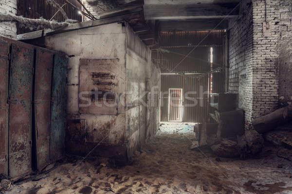 捨てられた 工場 産業 壁 雪 背景 ストックフォト © Avlntn
