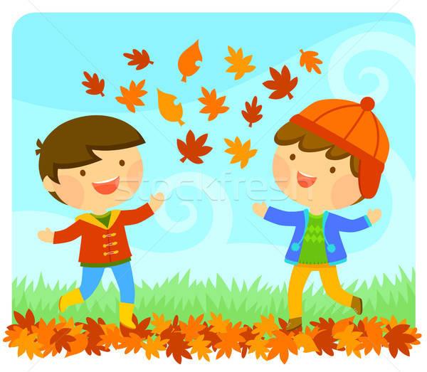 Gyerekek élvezi ősz aranyos gyerekek játszanak őszi levelek Stock fotó © ayelet_keshet