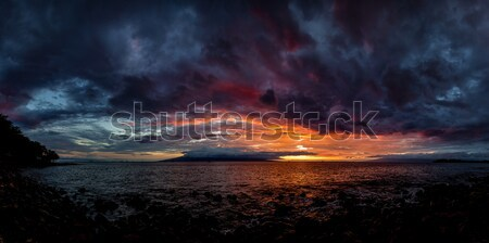 Hawaii coucher du soleil dramatique regarder océan plage Photo stock © Backyard-Photography