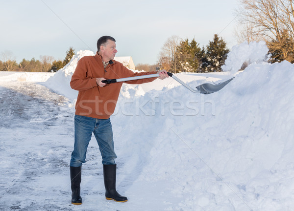 Senior adulto homem fora conduzir neve Foto stock © backyardproductions