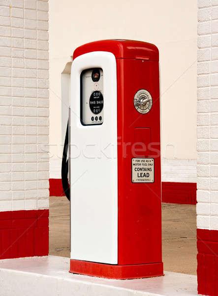 Fehér piros ősi benzinkút pumpa festett fényes Stock fotó © backyardproductions