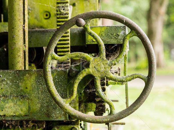 Musgo coberto fazenda maquinaria manusear verde Foto stock © backyardproductions